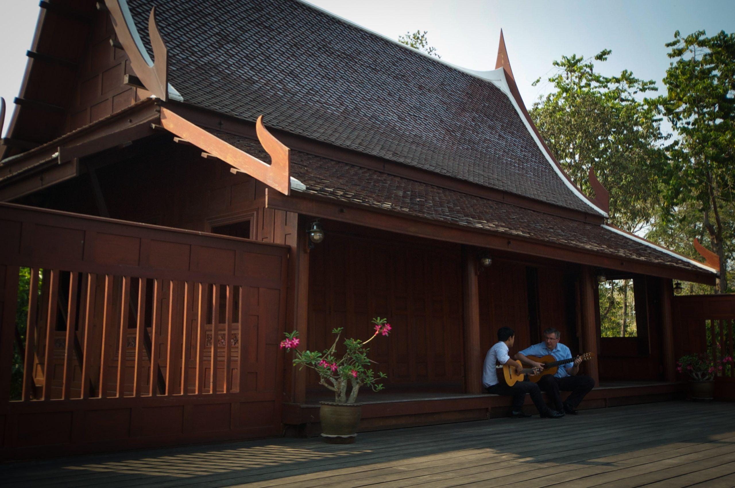 La Guitarra Clásica En Tailandia Por Paul Cesarczyk